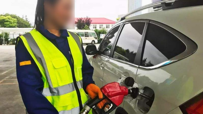 一升汽油相当于多少千克?听到这个数,车主:白加这么多年油