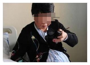 67岁产女,丈夫称舆论过度关注导致奶水减少,高龄产妇得罪了谁