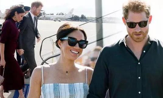 梅根和哈里王子乘坐价值2万英镑的私人飞机前往伊比沙岛度假