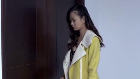 美女模特主动找上门,二话不说脱了外套展示自己,富少不断偷瞄她