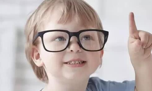 近视的孩子越来越多,家长应该怎样帮助孩子做好近视的防治?