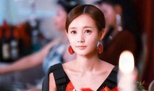 李一桐最新近照,网友:原来不修图她也这很美!