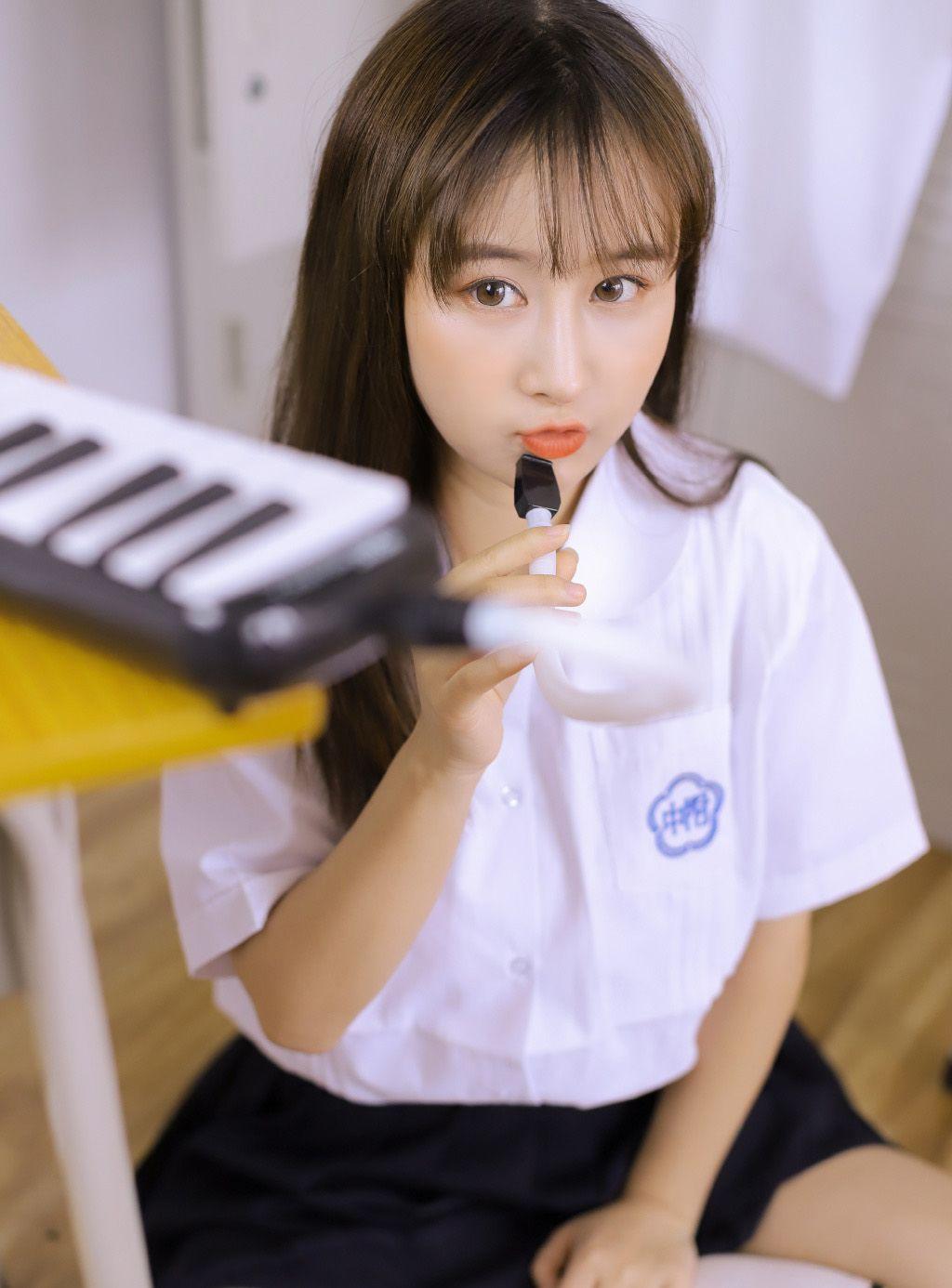 时尚穿搭:长发齐刘海,楼上气质学姐!