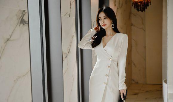 孙允珠:神秘尼罗河公主灯笼白瓷衣裙写真