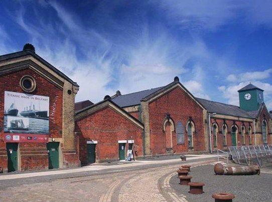 首府贝尔法斯特是北爱尔兰政治、文化中心,也是北爱最大工业城市