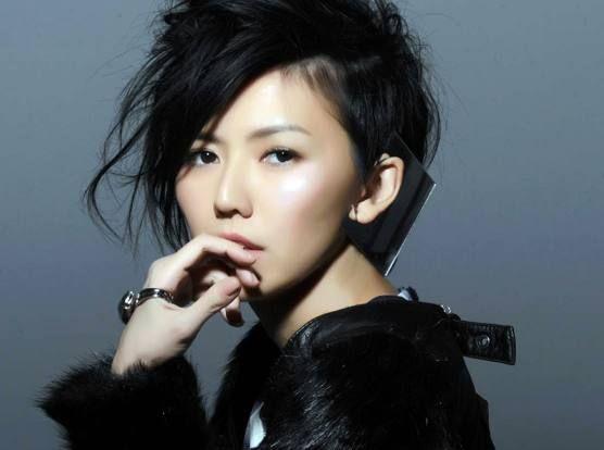 孙燕姿节目中选唱《半句再见》,让众多粉丝重温这首人气歌曲