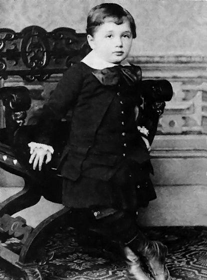 历史上的今天,1955年4月18日,物理学家爱因斯坦去世