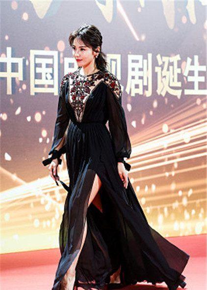 24届上海电视节星装:刘涛Elie Saab刺绣雪纺裙,妩媚柔情女人