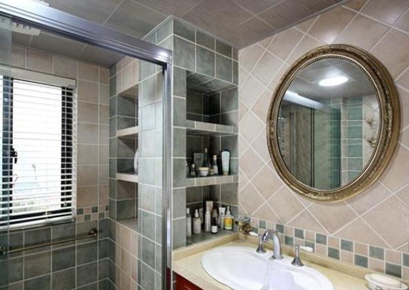 卫生间别再装置物架了,聪明人都流行这样设计,省钱又不占空间