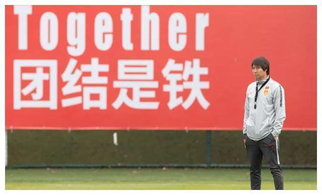 中國足球的悲哀!基本功水平不如日韓,李鐵巧婦難為無米之炊
