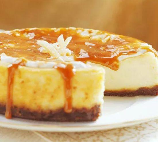 蛋糕口感丰富层次鲜明,那甜蜜的味道回味无穷,用蛋糕传达情意