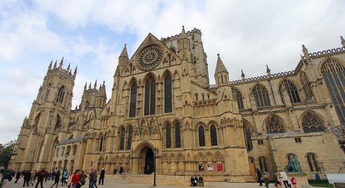 英国的约克大教堂,欧洲现存最大的中世纪时期哥特式教堂