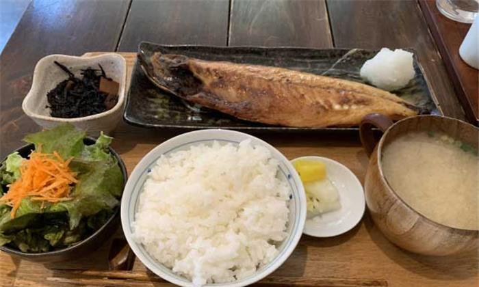 """老外热议""""中国菜和日本菜的区别""""外国人的说法让日本人扎心"""