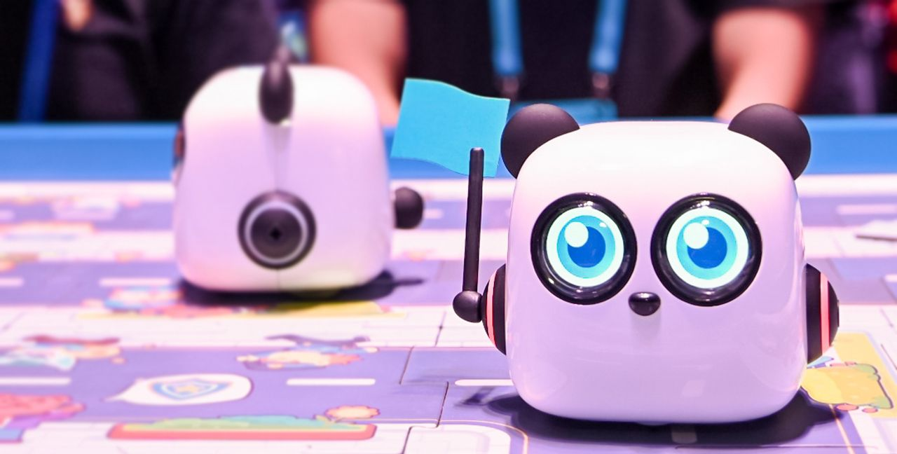 童小点思维启蒙机器人 体验图赏:培养儿童逻辑思维的编程机器人