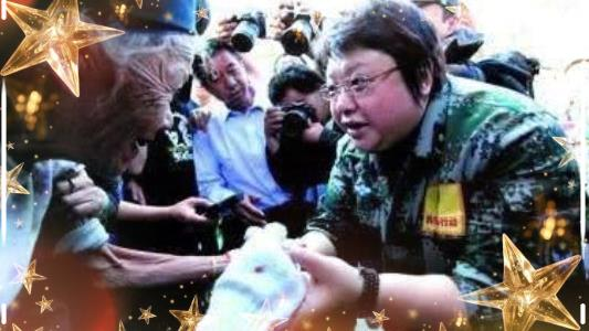 11年前汶川地震救灾,韩红累瘫,看到刘德华:你不火谁火