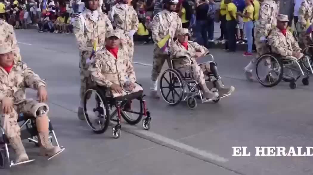 哥伦比亚街头阅兵,受阅方队各有特色,特种部队惊艳全场!