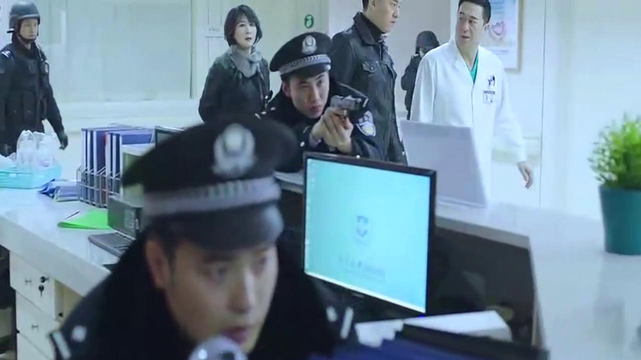 《急诊科医生》郑伟被特警击毙,张嘉译也中枪,王珞丹急疯了