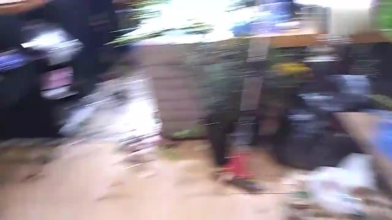 上海闹市区情人节花店一天到底赚多少钱看看飞飞家的花店