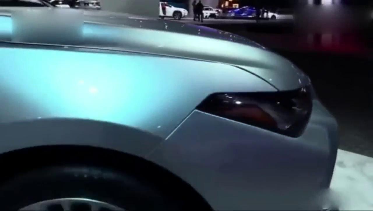 视频:2019款Avalon亚洲龙混动汽车,这简直就是大号凯美瑞