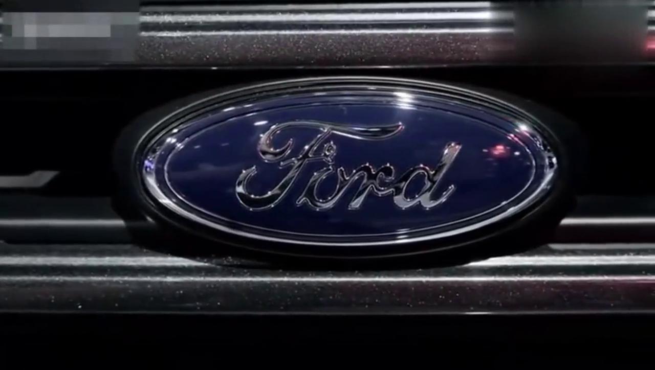 视频:新款福特翼博 前后保险杠变化