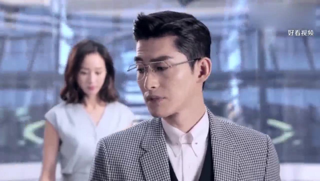 张翰出演霸道总裁,乘坐电梯的时候也欺负女孩