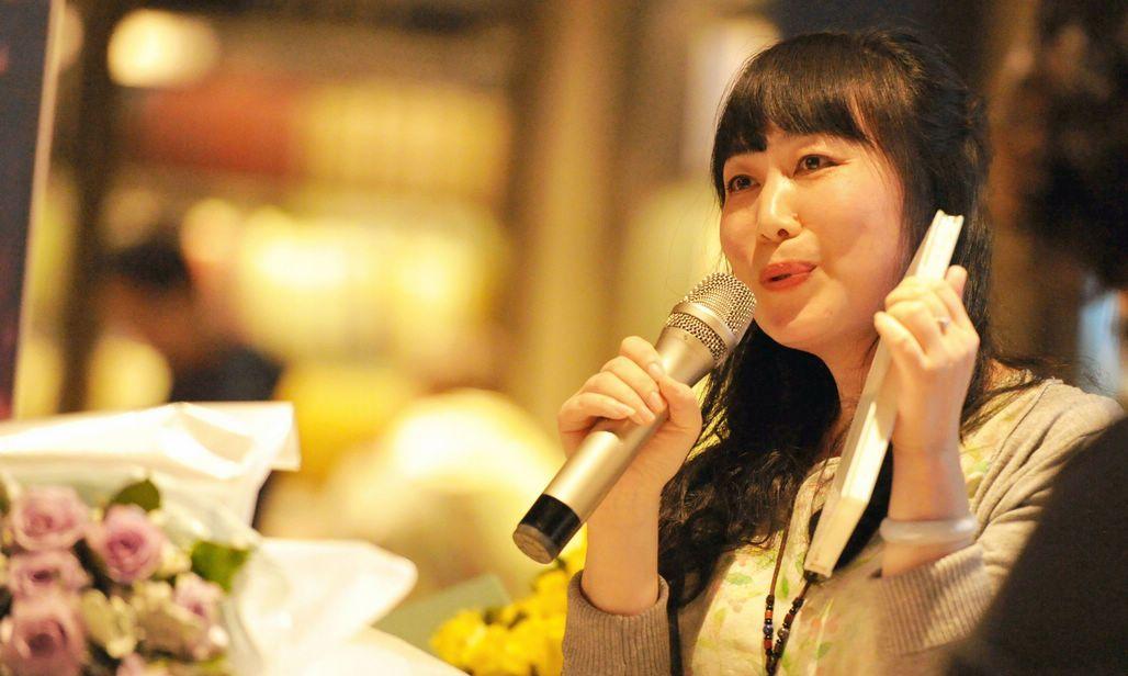 周末午后 青岛诗人在书城分享诗集 还有那么多人在追诗和远方