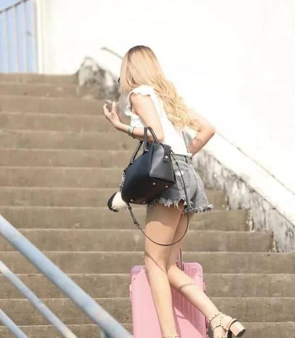 街拍:迷死人的时尚靓妹,已经撩到我心里了!