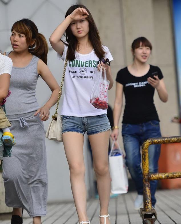 """中国国家邮政局局长提出加快中国快递业""""全球递""""的四点建议"""