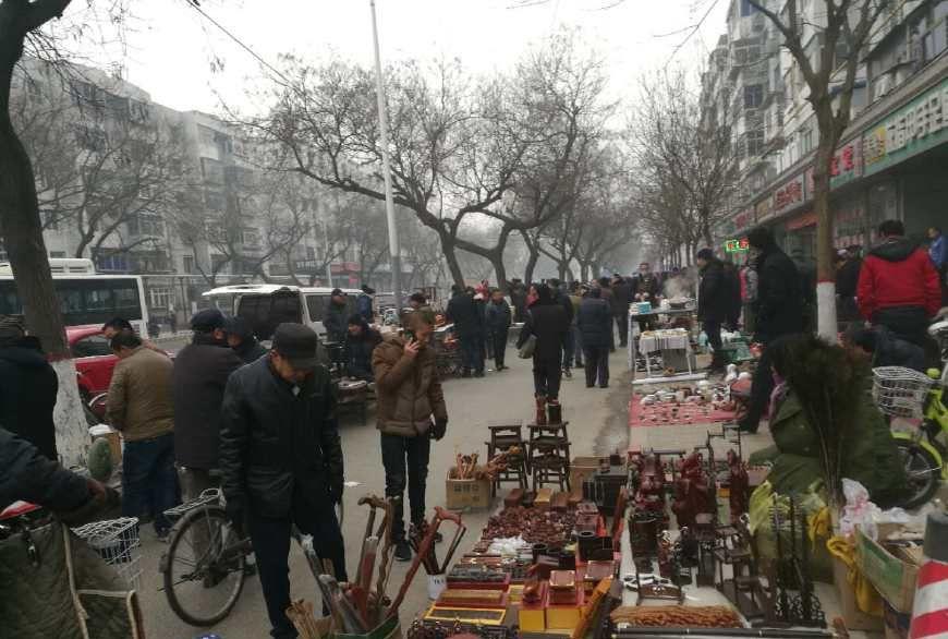 一个朋友在古玩市场上买到一件乾隆官窑瓷器,是捡漏了吗?