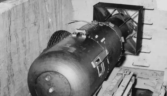 广岛原子弹爆炸的珍贵图片,曾经以为是颗哑弹