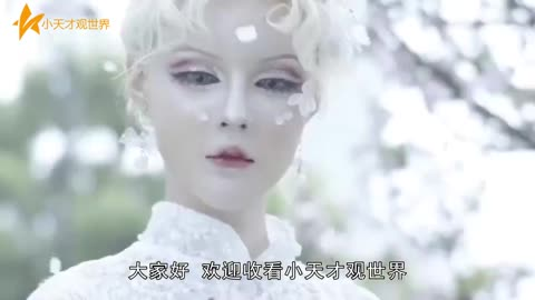 """""""中国第一真人芭比""""场上卸妆,看到素颜后,众人不淡定了"""