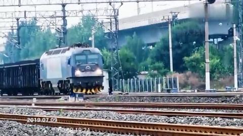 通过天津北仓车站的货列去往南仓编组站