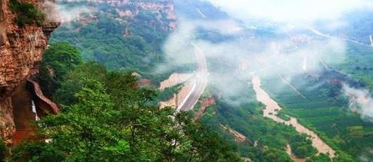 """中国最""""牛""""的人工河,耗时10年铲平千余山头,被誉为人间天河"""