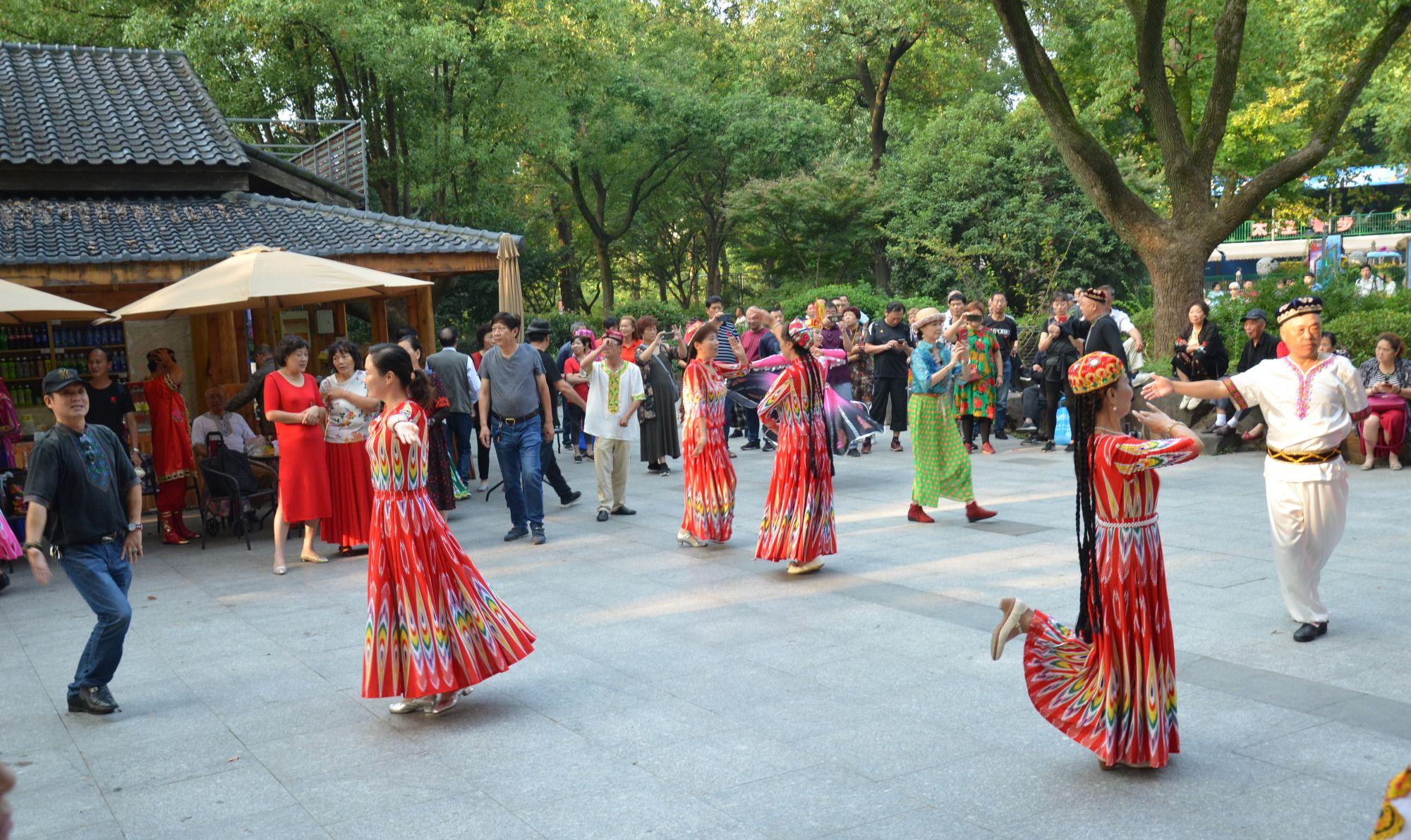 镜头记录1:看不够的新疆舞