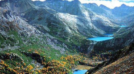 """甘孜香巴拉七湖风景区:素有""""天湖""""之美誉,为七处""""圣水"""""""