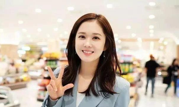 """38岁张娜拉晒婚纱照宣布""""出嫁的日子"""",粉丝一眼识破真相"""