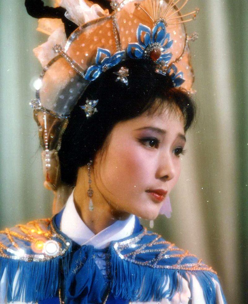 一代越女,当年粉黛,12张戏装照,欣赏到了何赛飞的美丽传奇