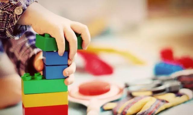 孩子变成玩具控制,家长该怎么办?