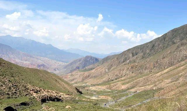 """青海坎布拉景区。涵盖国家级森林公园和""""丹霞""""地貌,景观如画"""