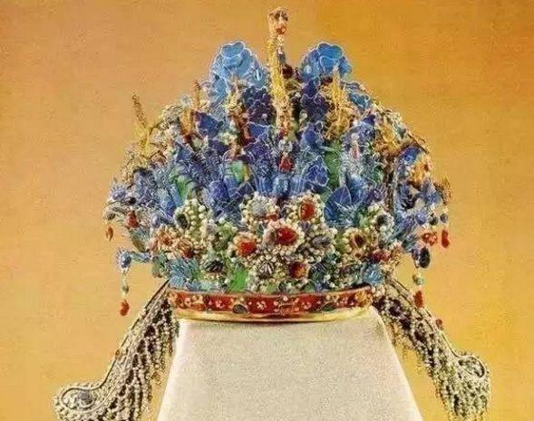 禁止出国展览的国宝:凤冠造型美艳,图五是中国特有的乐器!