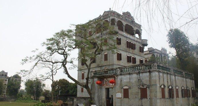自力村碉楼群是开平碉楼最为集中的,村中碉楼多建于20世纪