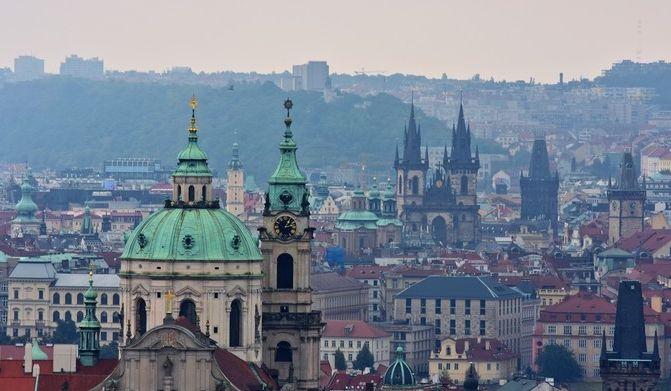 充满东欧风情的布拉格,庄严大气与人间烟火气的氤氲