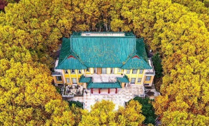 实拍南京美龄宫,图7宋美龄的绘画,图9蒋介石办公室题词引人深思