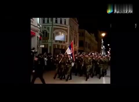 各国仪仗队亮相莫斯科,听场上的欢呼声就知道有多受欢迎