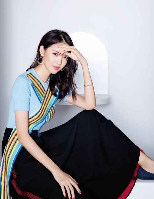 女艺人张梓琳,清爽俏皮,知性优雅写真图集