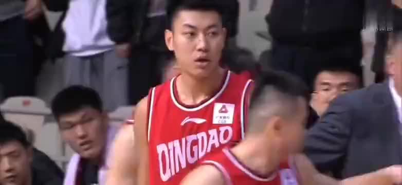 上海vs青岛上海神奇式反绝杀赵泰隆关键失误