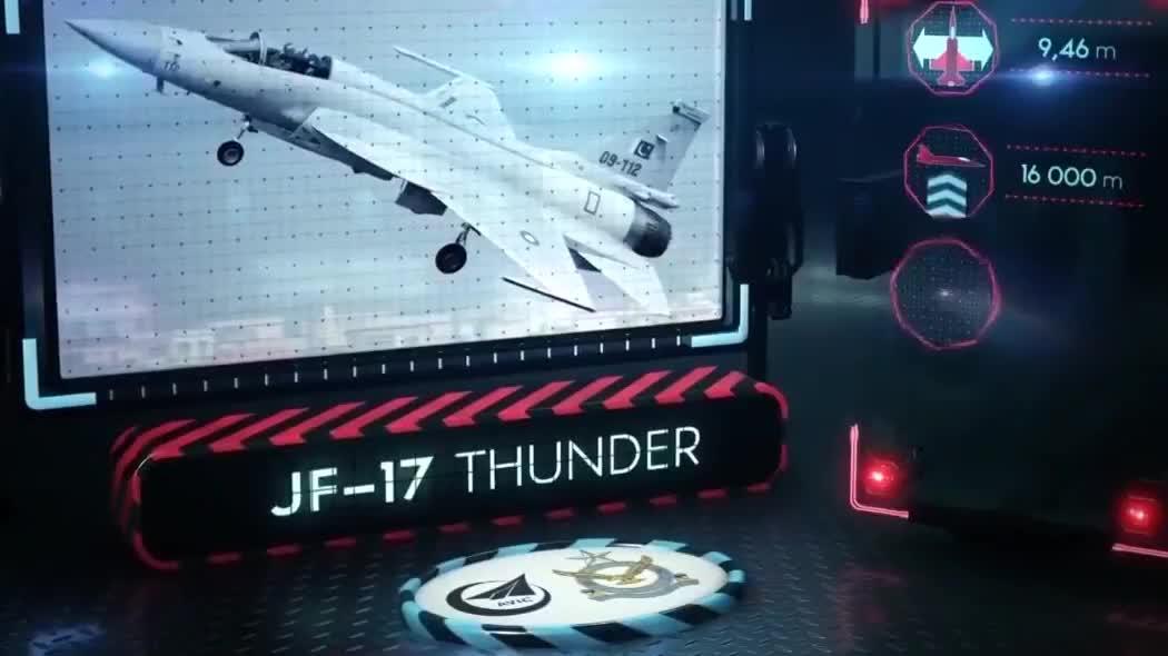 2019法国巴黎航展,巴基斯坦空军JF-17战斗机,进行高机动表演!