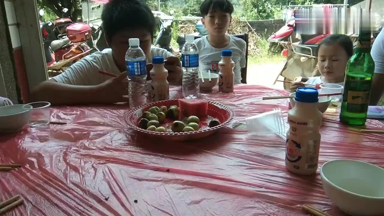 湘东华哥,湖南浏阳农村升学酒席,十大碗硬菜,吃撑了。