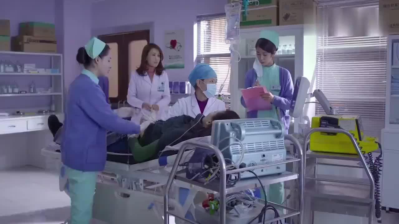 女子怀孕做手术怎料经女医生检查竟发现女子身上的大秘密