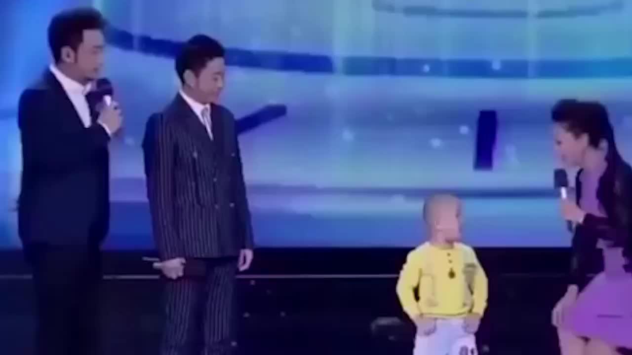 舞神张峻豪跳《中国范儿》玖月奇迹跟他学舞姿逗笑全场